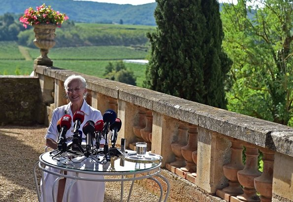 French President Emmanuel Macron and Brigitte Macron will visit Denmark. The press conference took place at Château de Cayx in France