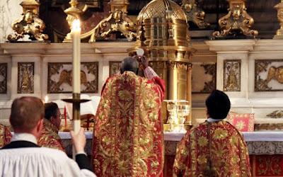 Cardinal Sarah ad orientem