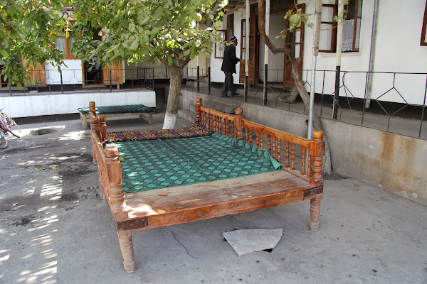 Tadjikistan, Khodjent, Proletar, Gulakandoz, chaïkhana, tapshan, tapchane, © L. Gigout, 2012