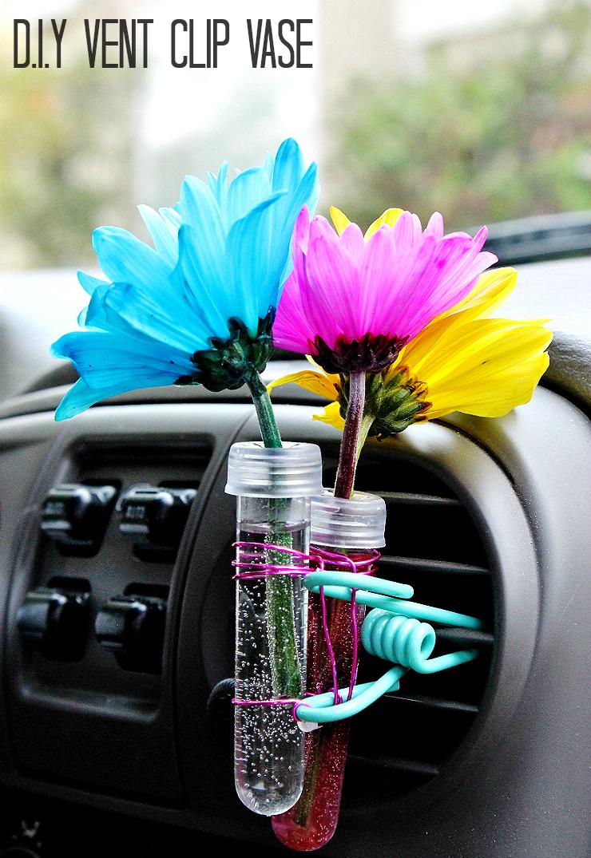 Car Hack: D.I.Y. Vent Clip Vase #RoadTripOil #AD