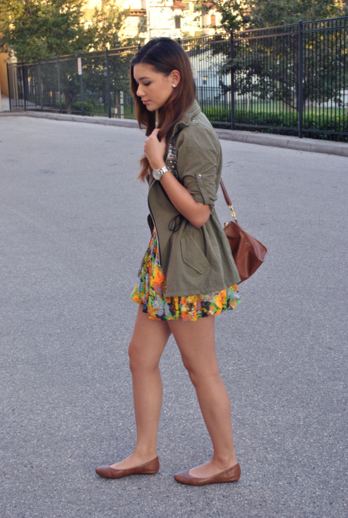 brown flats outfit, mootta floral balloon skirt, arafeel army military jacket, pearls, white shirt, arafeel bag