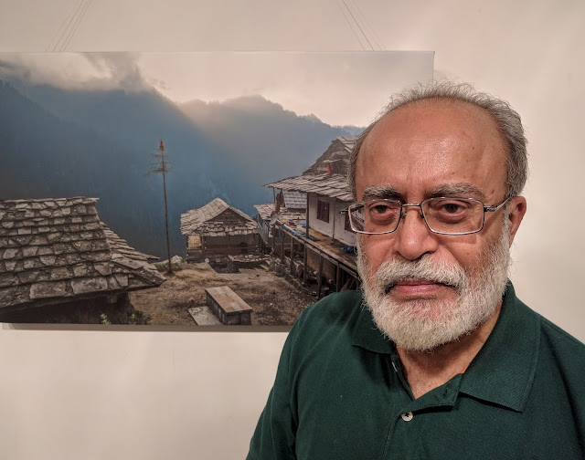Eminent photographer Swapan Mukherjee at Milind Vishwas Sathe's photography show - Call of the Hills