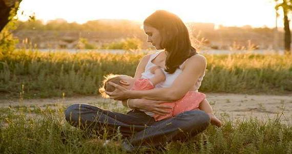 أطعمة لزيادة لبن الثدي خلال فترة الرضاعة