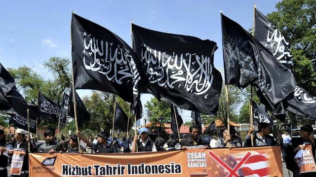 Mewaspadai Perangkap Provokasi di Balik Bendera HTI