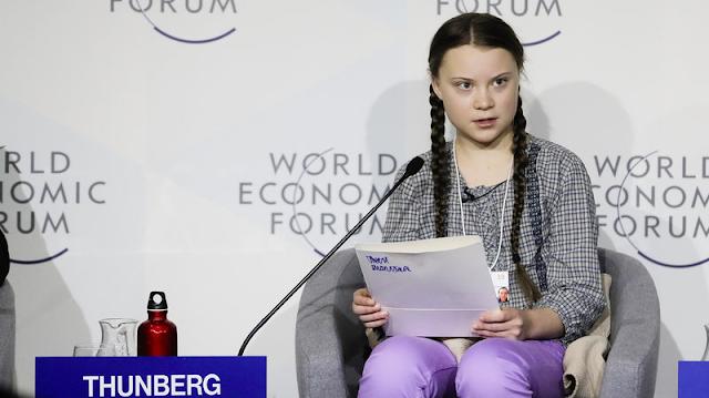 Một thiếu niên khích lệ các cuộc biểu tình của tuổi trẻ vì môi trường trên khắp Châu Âu