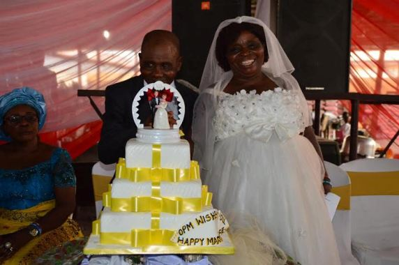 72 Yrs Old Man and 60 yrs Old Woman Marry After Living As Couple For 45 Yrs