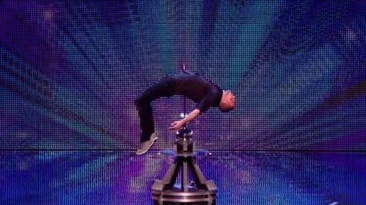 ΣΟΚ: Σφάχτηκε μπροστά στο κοινό στο Βρετανία έχεις ταλέντο - Δείτε τι έγινε στη συνέχεια... [video]