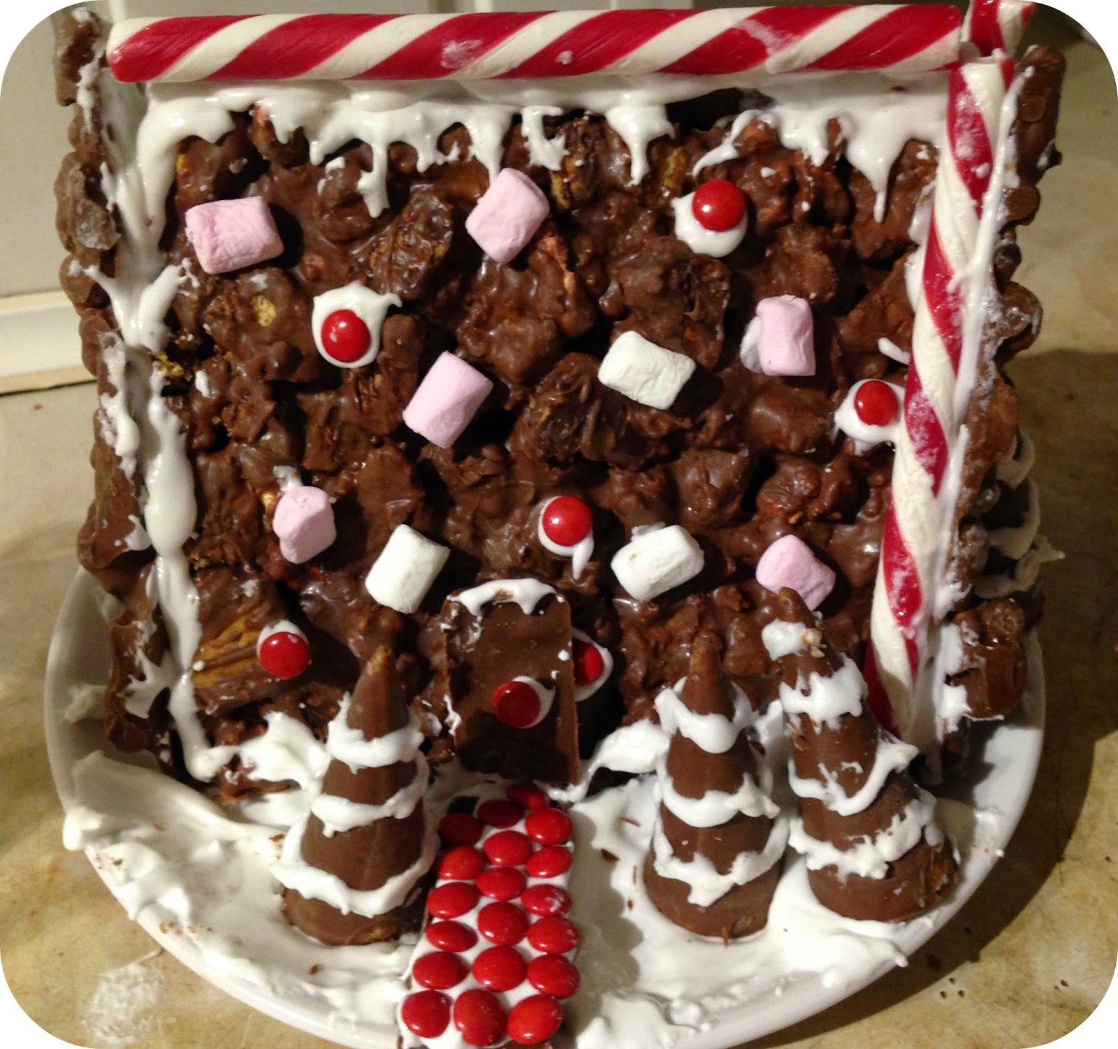 asda christmas rocky road house kit review