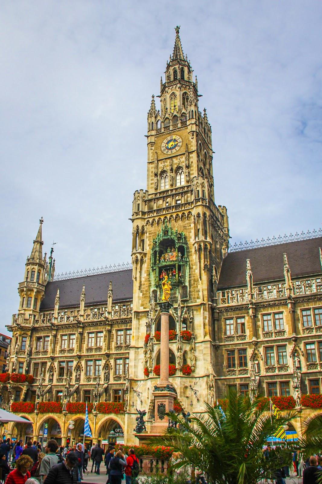 Makan Tengahari Di Marienplatz, Munich - 1