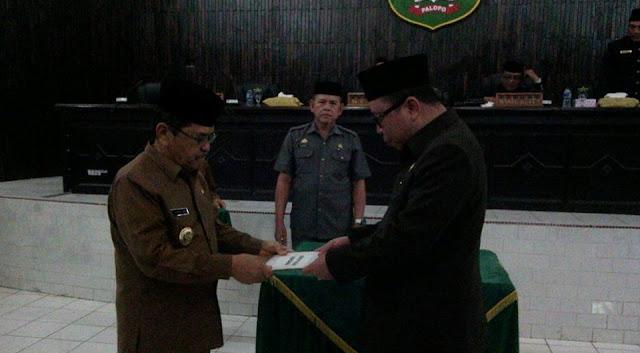 Paripurna Malam, DPRD Setujui Perda 40 OPD Pemkot Palopo