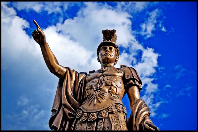 Πύρρος ο Βασιλιάς της Ηπείρου και ο θάνατός του στο Άργος από κεραμίδι  (βίντεο)