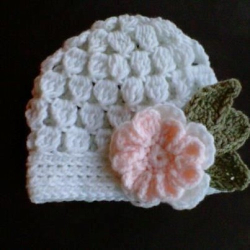 Cute Baby Hat Beanie with Crochet Flower - Free Pattern