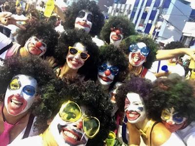 O dia da Ivete entre os foliões em Salvador