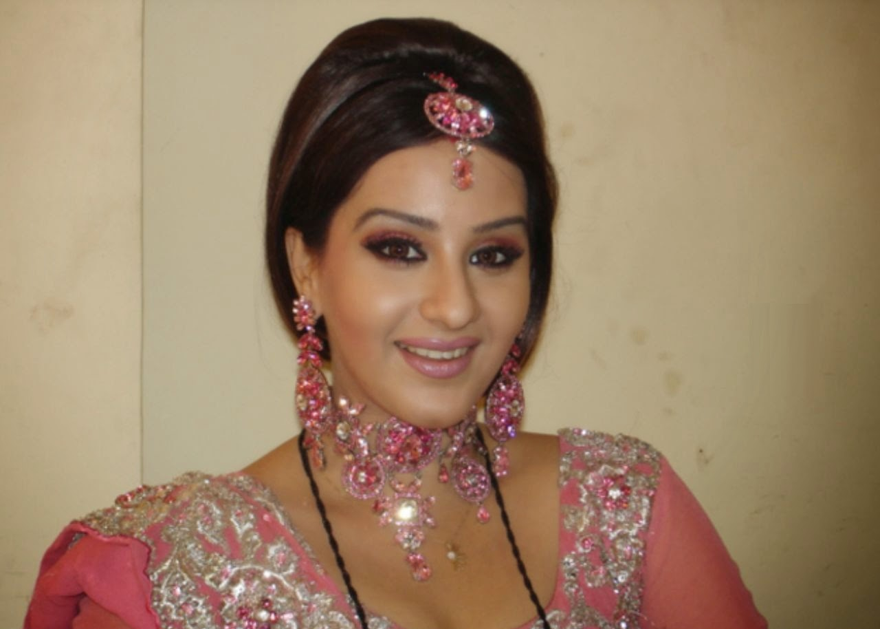 Indian Television Actress Shilpa Shinde Images HD Wallpaper