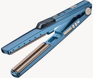 b54200fc5 A tecnologia Ultrassônica presente nesta Prancha transforma água em uma  Micro Névoa Fria que suavemente produz brilho e acrescenta unidade aos  cabelos ...