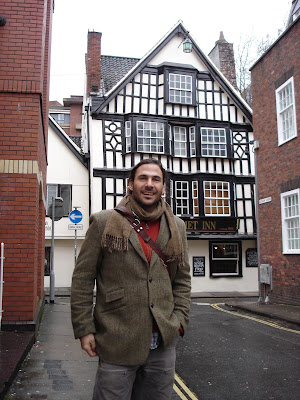 Hazen Audel visits the Hatchet Inn  in Bristol