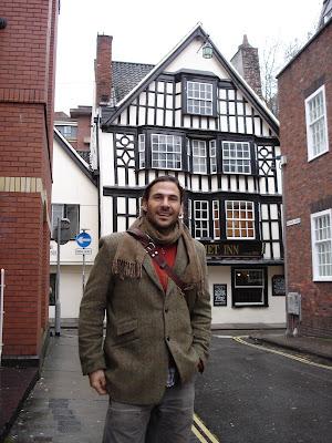 Hazen Audel visits the Hatchet Inn  in Bristol