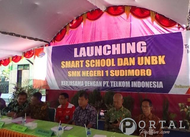 launching-smart-school-siap-UNBK