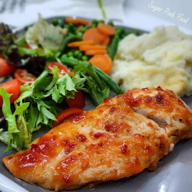 Sweet Chilli Chicken Breasts & Garlic Mash recipe slimming world