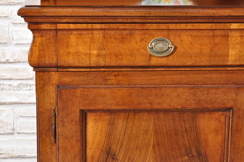 Credenza Con Alzata Due Ante : Raffinata e ricercata credenza con vetrina cristalliera riprodotta