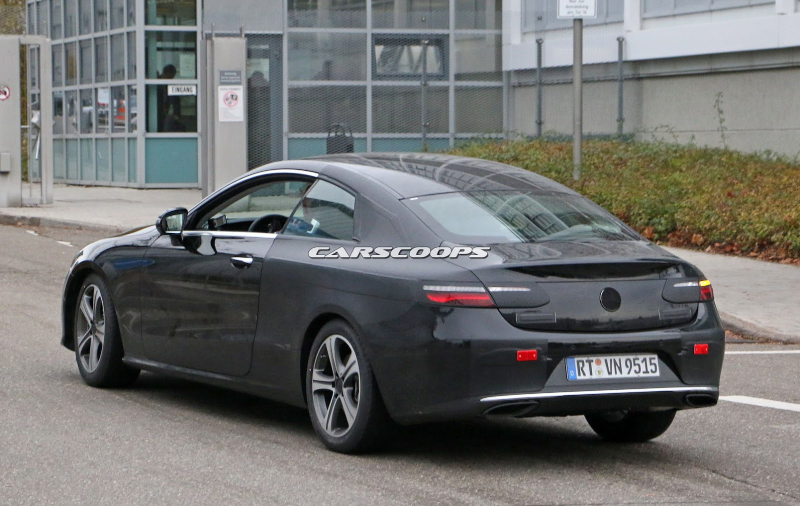 2017 mercedes e class coupe looks predictably elegant in latest spy shots. Black Bedroom Furniture Sets. Home Design Ideas