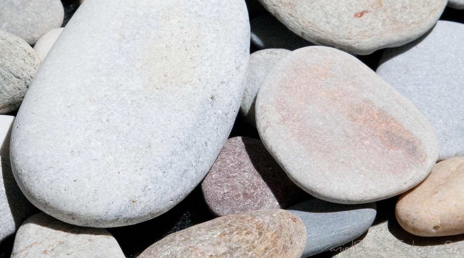 Primer plano de unas piedras con sensibilidad iso 1600