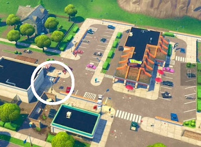 Streetlight Spotlight Location, Greasy Grove, Fortnite, Season 6 Week 1