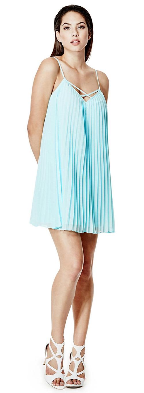 Robe courte bleu clair plissée fines bretelles Guess