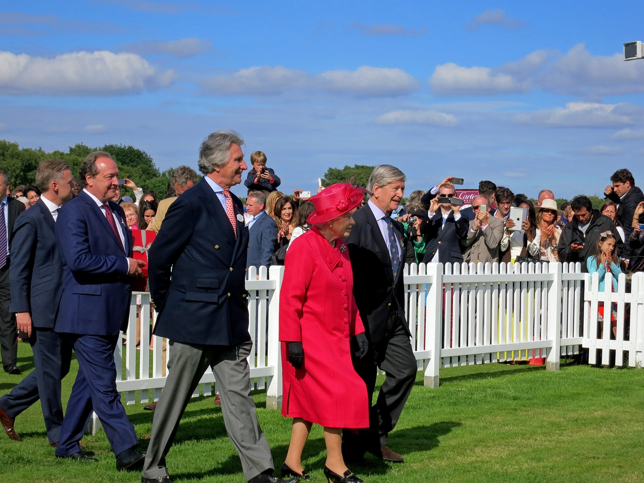 surowe zasady angielskiej monarchii krolowa elzbieta zasady
