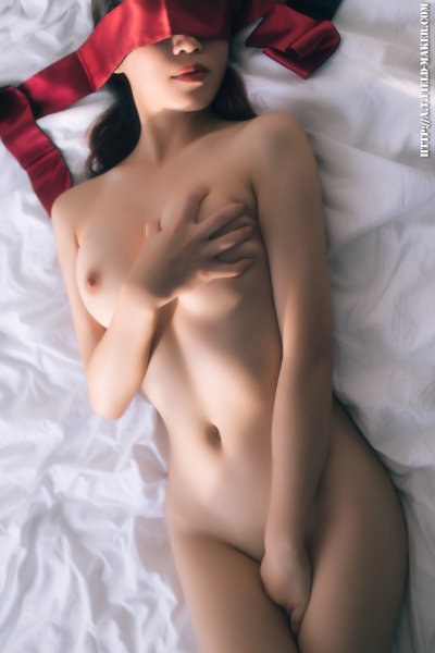 [福利姬 ATFMaker] Tsubaki 初次全裸 First Time Naked