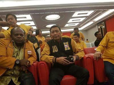Ada Skenario Apa Dibalik Bupati Paniai Terpilih Sebagai Ketua DPC Partai Hanura Provinii Papua oleh Wiranto?
