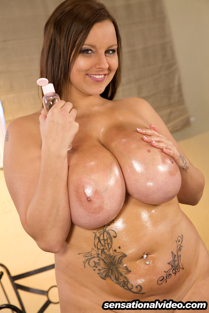 Biggest Boobs 34Jj Busty Terri Jane - Oiling Her Huge Boobs-8409