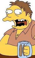 Un tipo en un bar pide una cerveza.   El camarero pone el posa-vasos, el vaso y la cerveza.   Al rato vuelve a pedir otra cerveza. Se la sirve de igual manera, con otro posa-vasos.