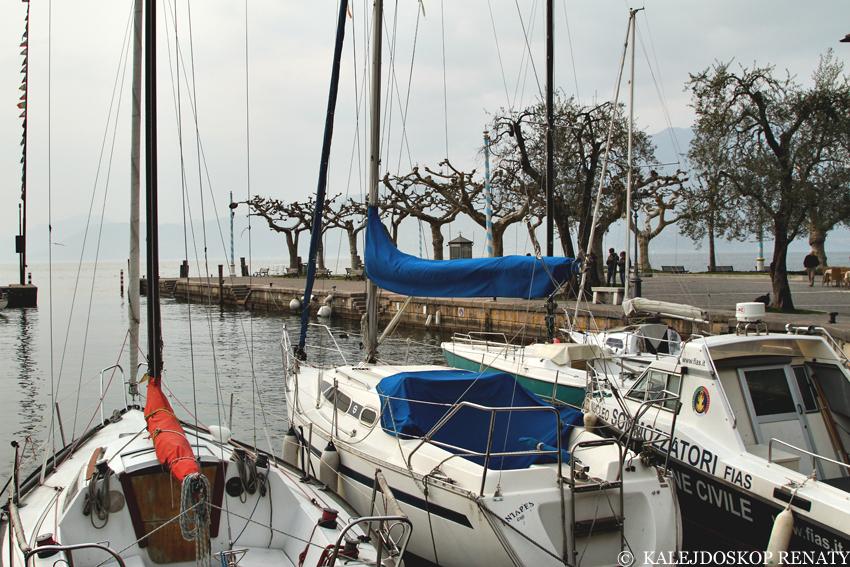 Port w miasteczku Torri del Benaco, co zobaczyć w Torri del Benaco