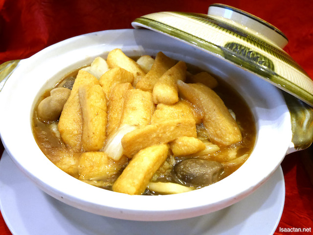 Stewed Egg Beancurd with Seafood