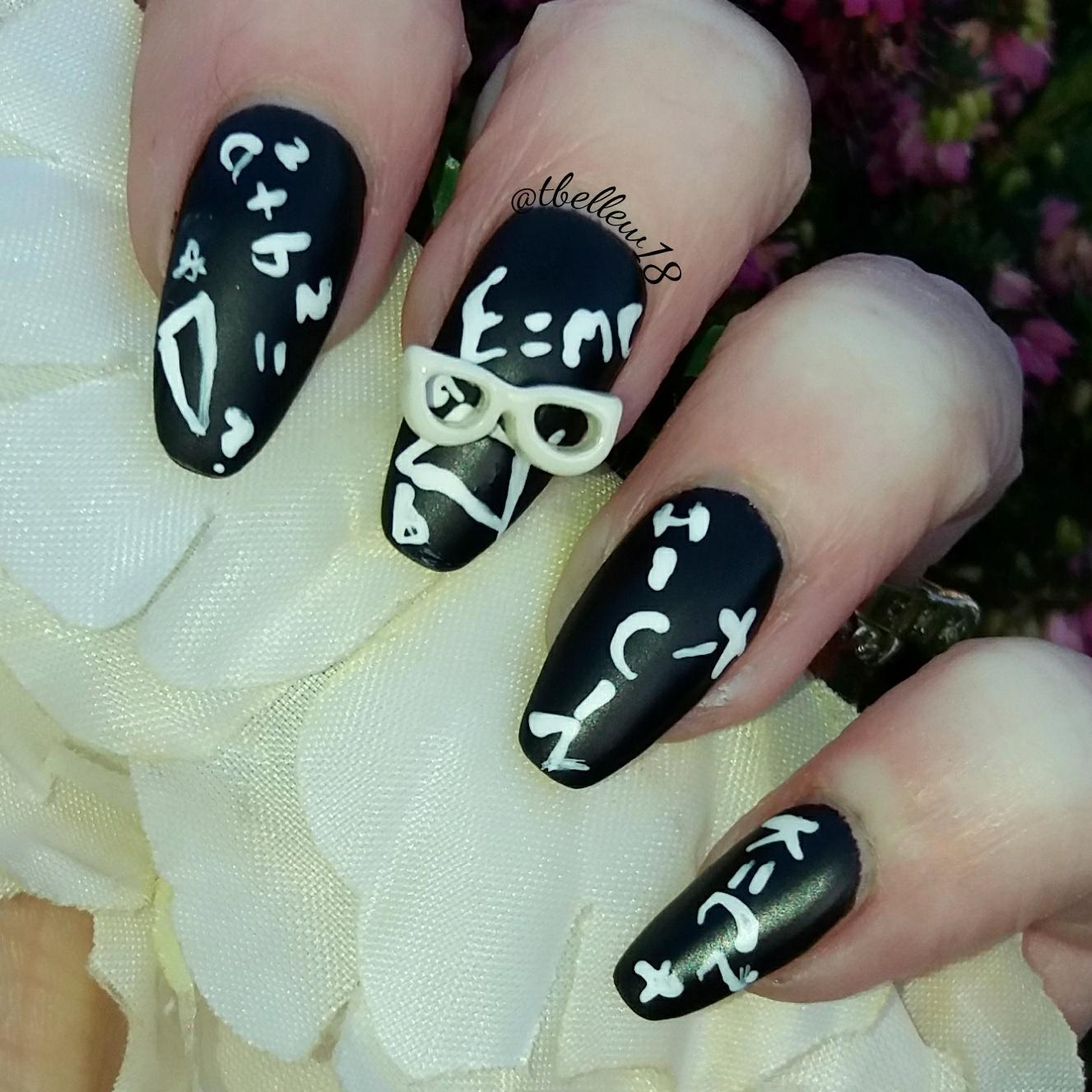 Bite no more charlies nail art