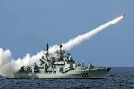 Jenis Kapal Menurut Bahan dan Alat Penggeraknya, kapal perang