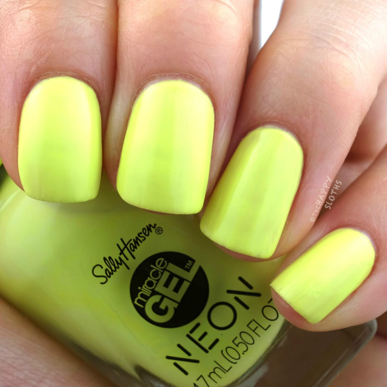 Sally Hansen | Miracle Gel Summer 2019 Neon Collection | Lemon-chillo: Review and Swatches