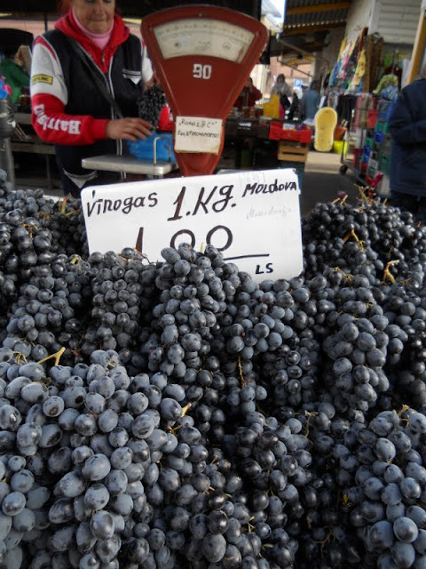 3 days in Riga in Autumn: grapes at Riga Central Market