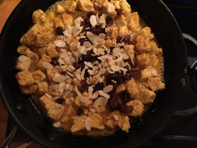 Quorn mixture with flaked almonds and sultanas