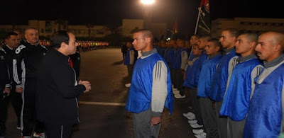 الرئيس يقوم بزيارة مفاجئة لطلبة الكلية الحربية