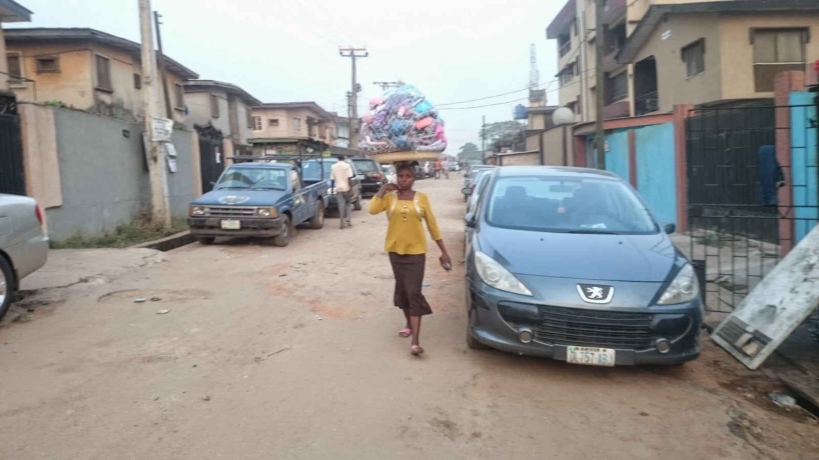 Wares hawker in Iyana ipaja area of Lagos state