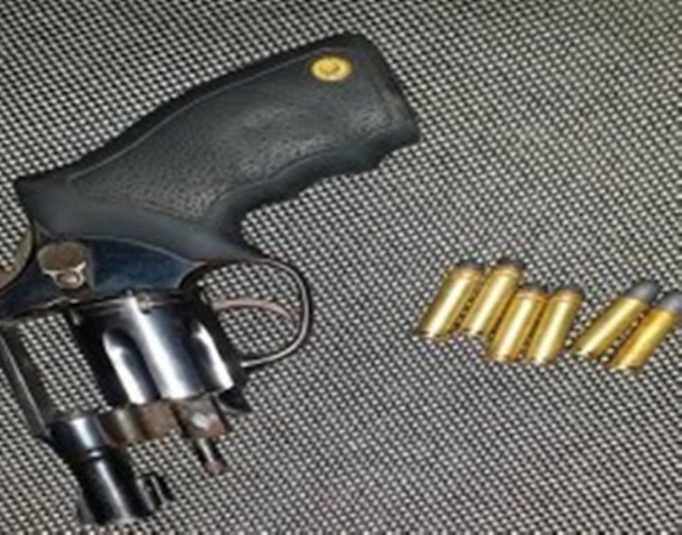 Jovem é preso portando revólver e munição em de São José dos Cordeiros