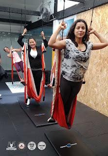 yoga aereo, aeroyoga, colombia, bogota, cali, aerial yoga, cursos, formacion, certificacion, teacher training, yoga, pilates, fitness, belleza, bienestar, wellness, coaching