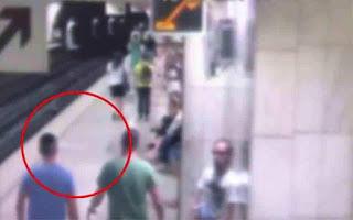 Καρέ-καρέ ο τρόπος δράσης των «ελαφροχέρηδων» στο μετρό (βίντεο)
