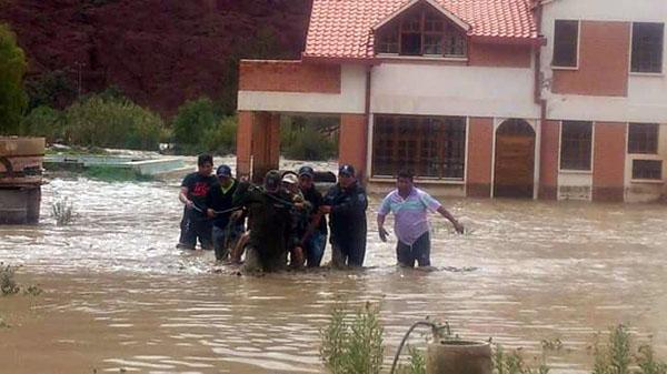 Emergencia en Tupiza por desborde del río hay casas y puentes afectados