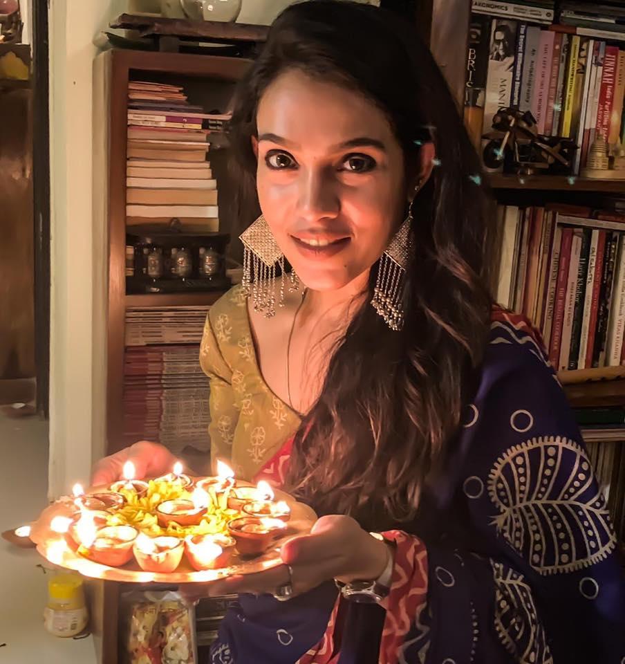 Trishna Mukherjee - Crime Patrol beautiful actress  Top 10