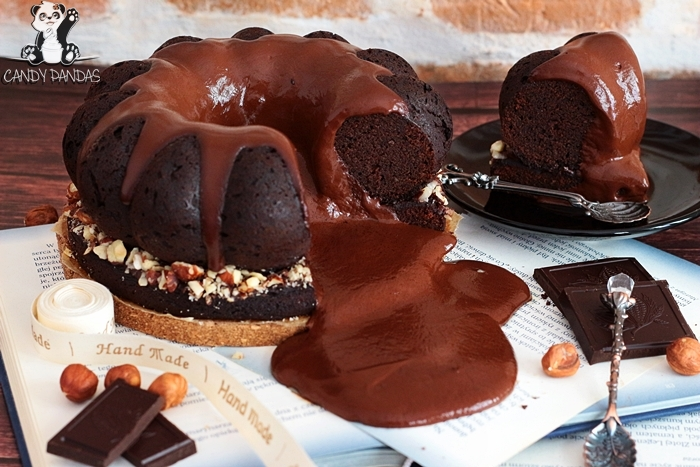 Wegańskie mocno kakaowe ciasto z czekoladową lawą (wegańskie, bez glutenu, białego cukru, laktozy)