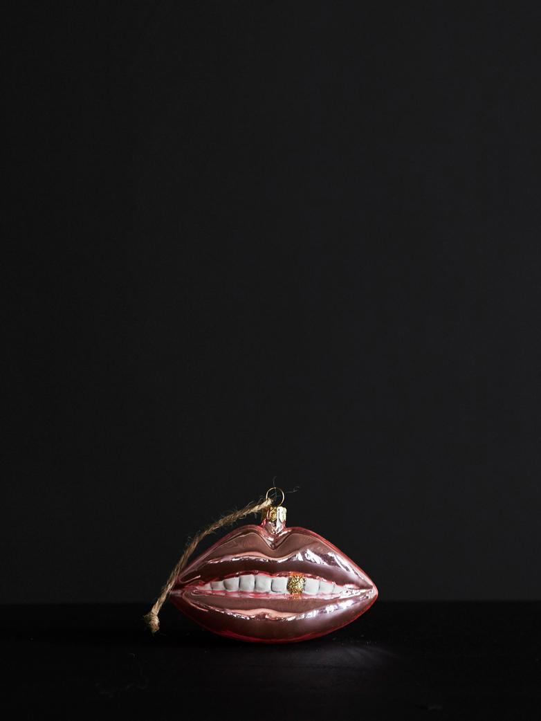 Bombka usta
