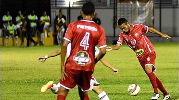 Picos volta a perder no Helvídio Nunes e se complica no estadual.